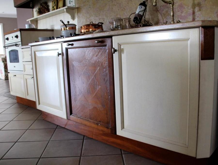 Cucine Moderne In Noce Nazionale.Cucina Classica Elegante In Massello Di Noce Laccato Avorio