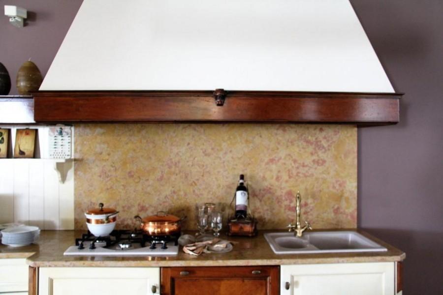 Cucina classica elegante in massello di noce laccato avorio ...