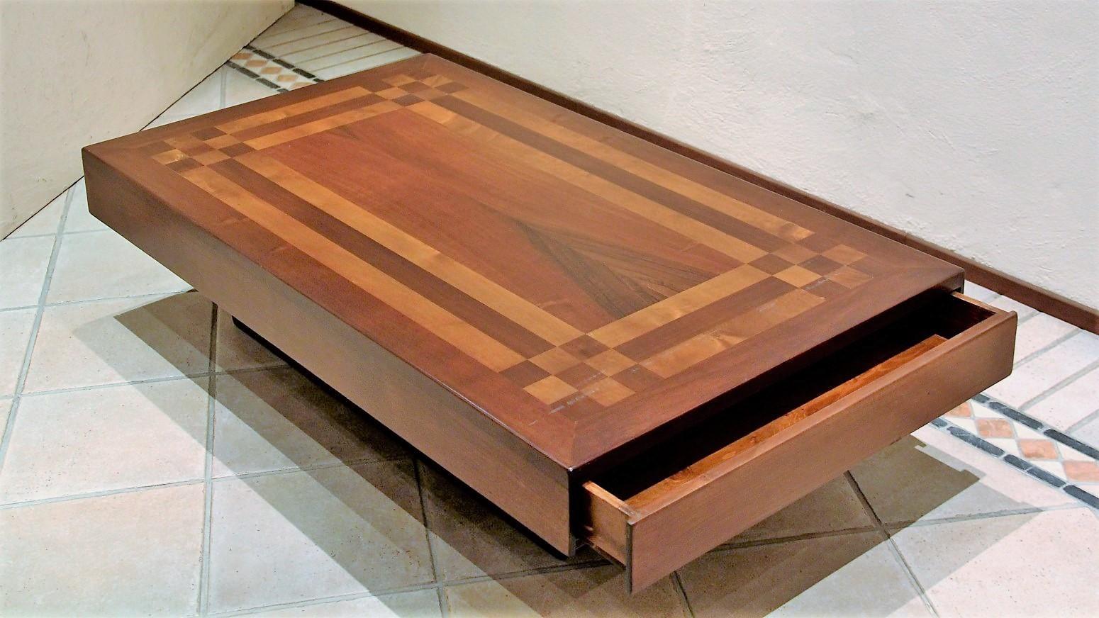 Tavolino con cassetto FG 237