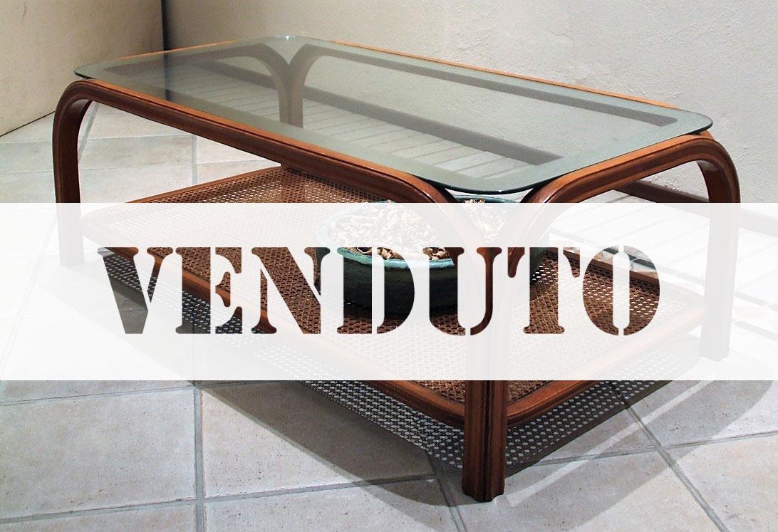 Tavolino in legno con paglia di Vienna